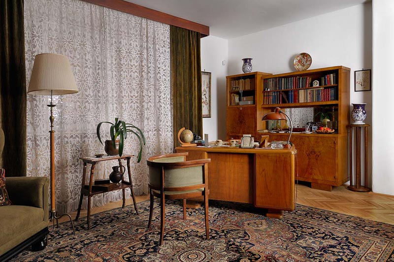 Reconstructed study room of Imre Nagy